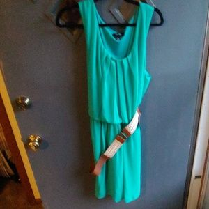 Nwt green belted dress. 3x